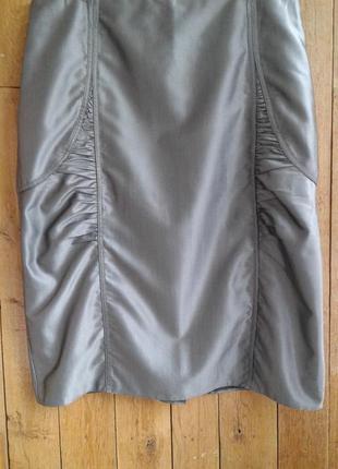 Стильная юбка цвета никель