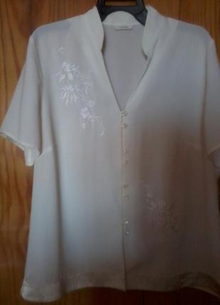 Фирменная блузка из шифона с вышивкой