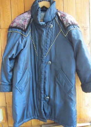 Куртка с отделкой из велюра и золотистого шнура
