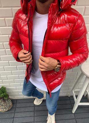 Мужская зимняя куртка с капюшоном  красная