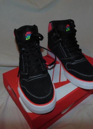 Кроссовки ботинки nike оригинал новые замша , коробка