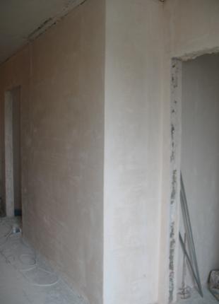 Ручная шпаклевка стен и потолков