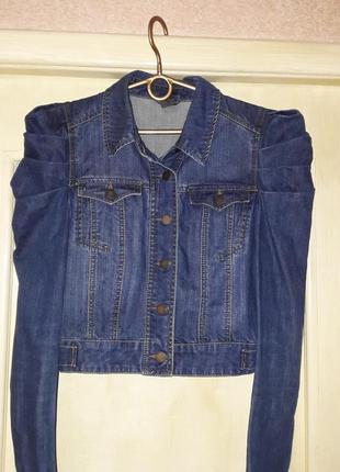 Крутая джинсовая куртка пиджак