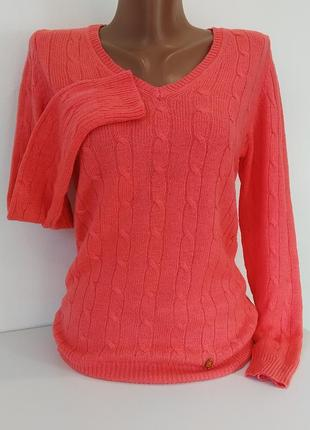 Пуловер нежно персикового цвета