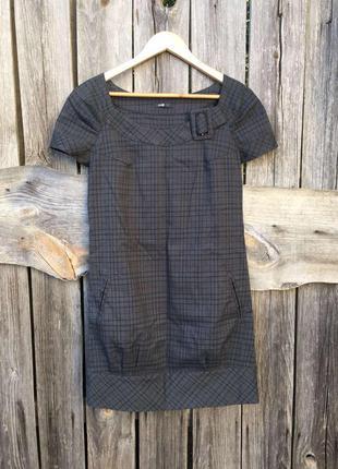 Коротенькое платье в модную клетку