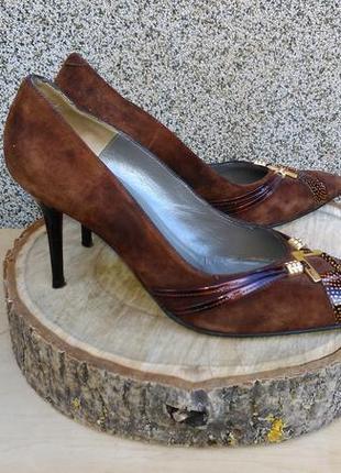 Туфли с острым носком accademia италия