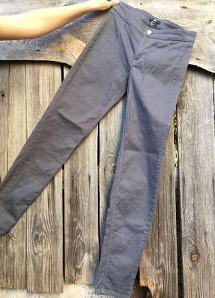 Серые брюки от h&m