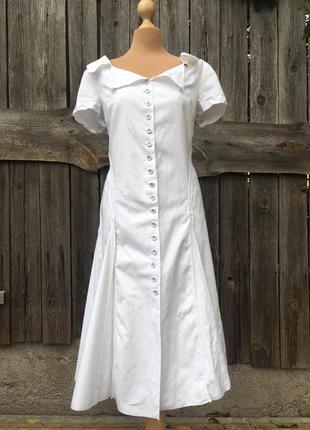 Красивое белое платье от blacky dress berlin