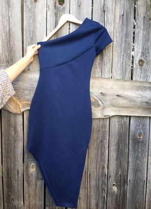 Силуэтное платье асимметрия платье-чулок на одно плечо