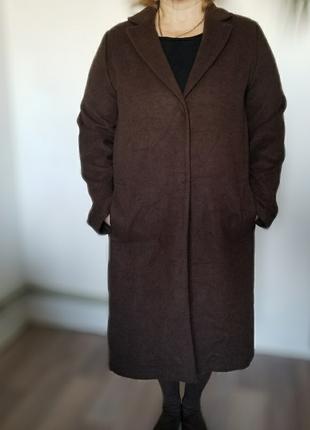 Легкое длинное пальто шоколадного цвета