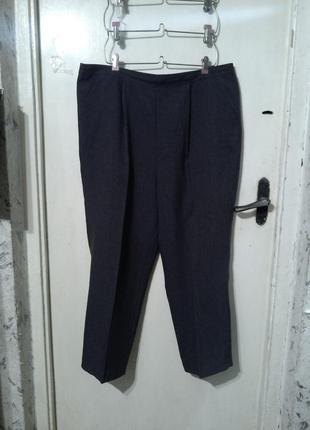 Классические,повседневные,серого цвета брюки,с карманами,бол.1...