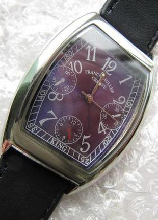Часы кварцевые, кожаный ремешок.