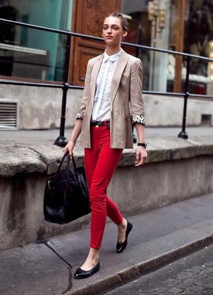 Стильные джинсы трендового красного цвета pimkie