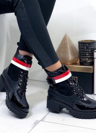 Женские лаковые ботинки демисезонные