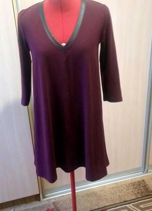 Бордовое платье свободного кроя со вставками кожзам