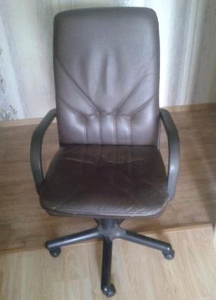 Кресло офисное Стул крутящийся Кожа