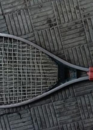 Продам профессиональную теннисную ракетку с алюминия