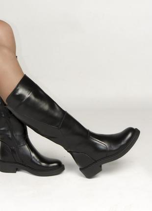 Сапоги черные кожаные с натуральным  мехом