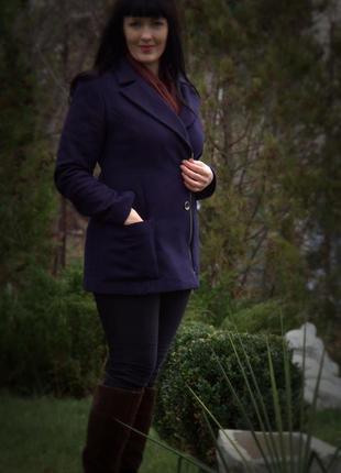 Стильное шерстяное синее пальто на молнии venefiko