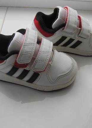 Кроссовки adidas,р.19-20 стелька 12,7см