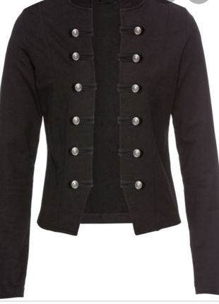 Джинсовая куртка черная