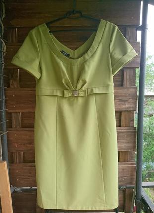 Шикарное платье-футляр оливкового цвета_р.48-50