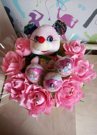 Сладкие подарки с игрушками и конфетками...