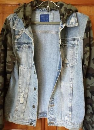 Джинсовая куртка с трикотажными рукавами zara l