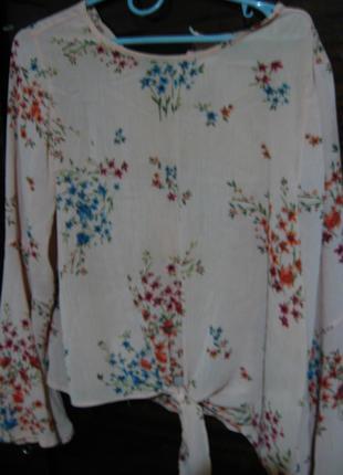 Блузка розовая 14 р. летняя, рукав клёш, принт цветы. торг.