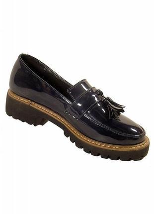 Лаковые туфли, лоферы .