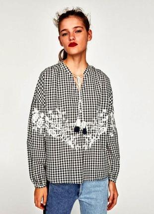 Zara блуза в клетку с вышивкой