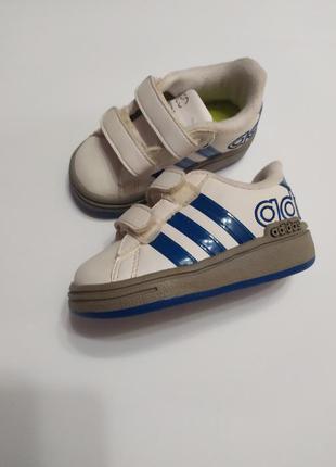 Кросівки дитячі adidas (оригінал) р.19