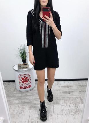 Платье с вышивкой mango вышивка