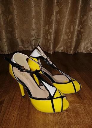✨✨✨стильные женские босоножки, открытые туфли 38 р. jo jo cat🔥🔥🔥