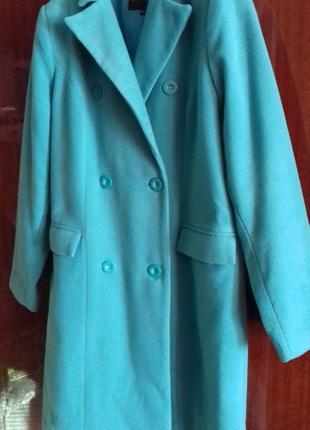 Комфортное нежно - изумрудное пальто деми
