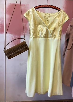 Лимонное платье ниже колена, кружево, коктельное платье