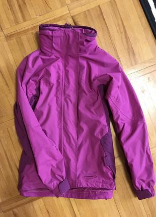 Непромокаемая куртка на осень весну стортивная