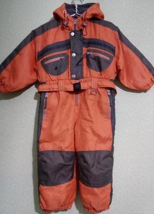 Яркий утепленный комбинезон для мальчика 3-4 года,рост до 104 см.