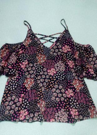 Летняя блуза с открытыми плечами большого размера 52-54
