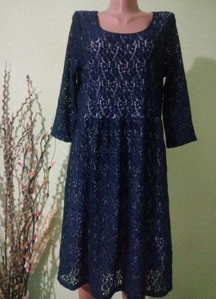 Кружевное платье 50-52