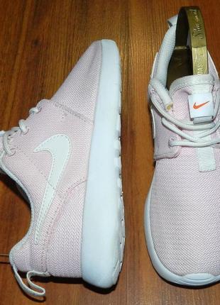 Nike roshe one! яркие, оригинальные, невесомые, дышащие кроссовки