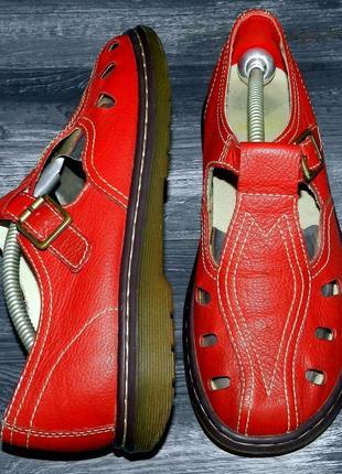 Dr. martens ! оригинальные, стильные,кожаные невероятно крутые...