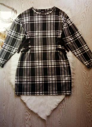 Теплое плотное короткое черное белое серое платье в клетку пол...