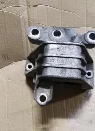 Подушка мотора крепление двигателя 3.2 Opel Vectra C 9156948
