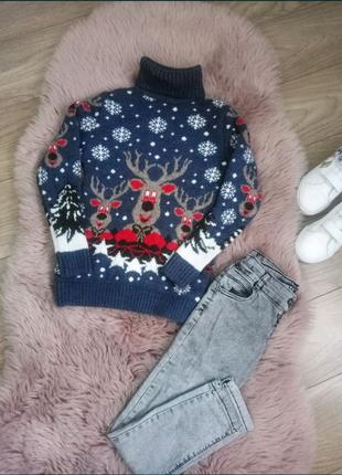 Мягесенький свитер и джинсы