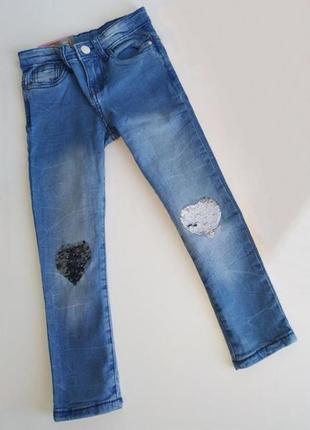 Модные джинсы скинни pepco с сердечками-пайетками