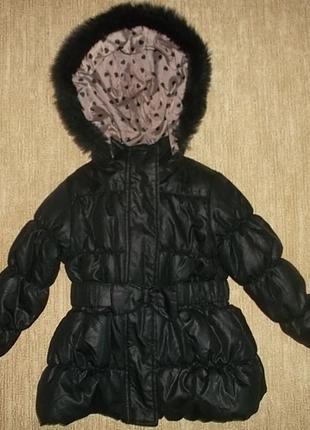 Куртка с капюшоном на рост 104 см. отличное состояние