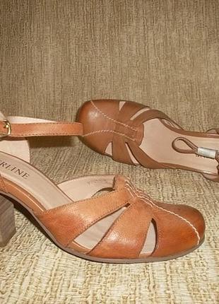 Кожаные туфли открытого типа на устойчивом каблуке рр. 36, 39, 40