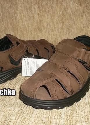 Кожаные сандалии закрытого типа коричневые рр. 40, 41, 44, 45
