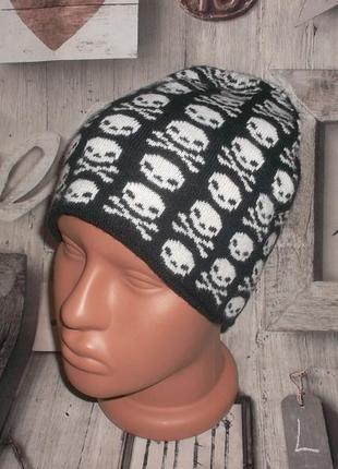 Подростковая шапка с принтом череп